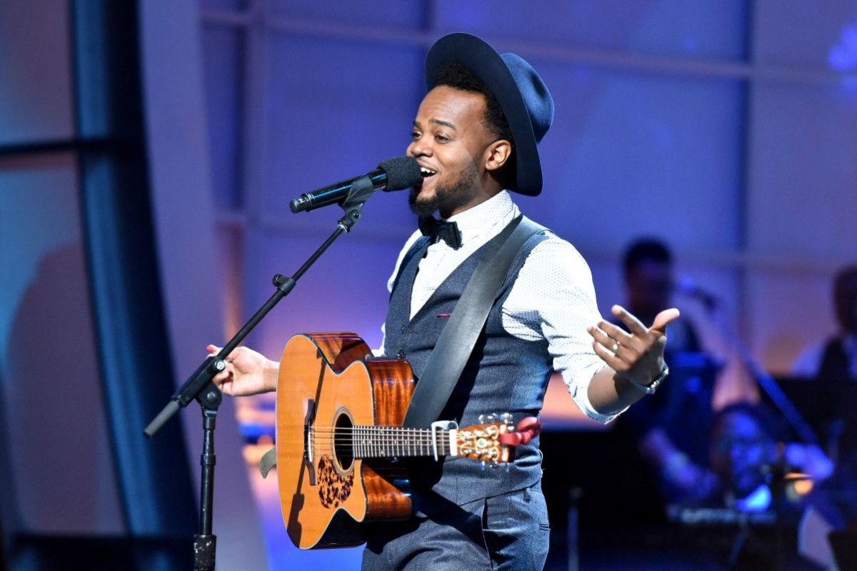 Travis Greene - While I'm Waiting ft. Chandler Moore